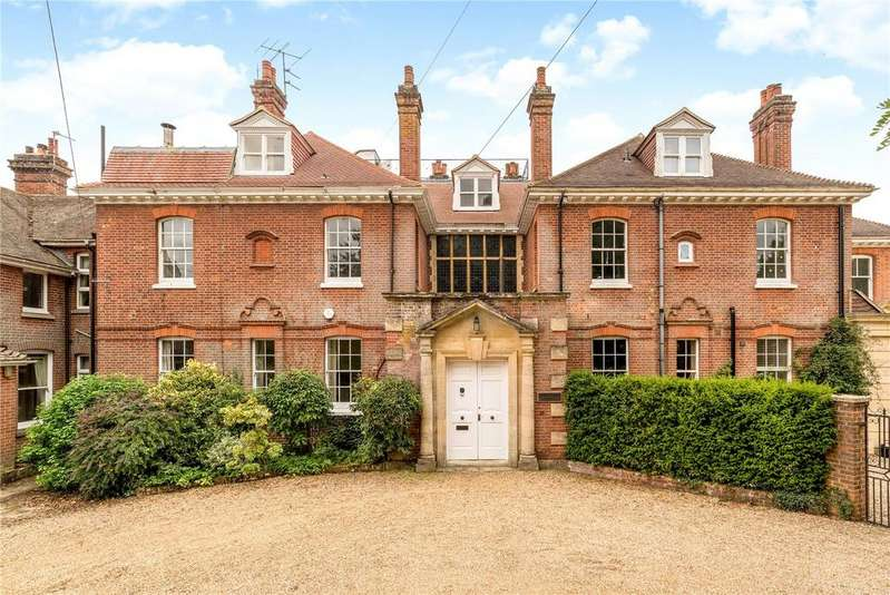 5 Bedrooms House for sale in The Common, Dunsfold, Godalming, Surrey, GU8