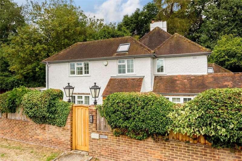 4 Bedrooms Semi Detached House for sale in Chapman Lane, Flackwell Heath, Buckinghamshire, HP10
