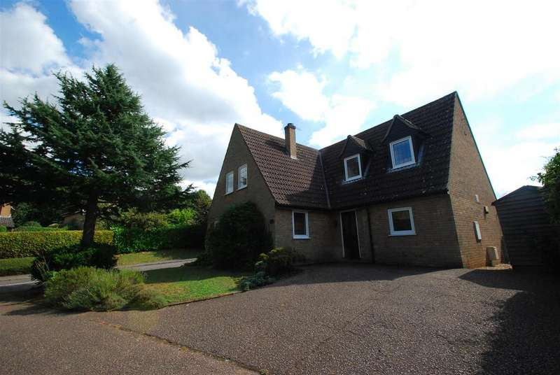 4 Bedrooms Detached House for sale in Bederic Close, Bury St. Edmunds