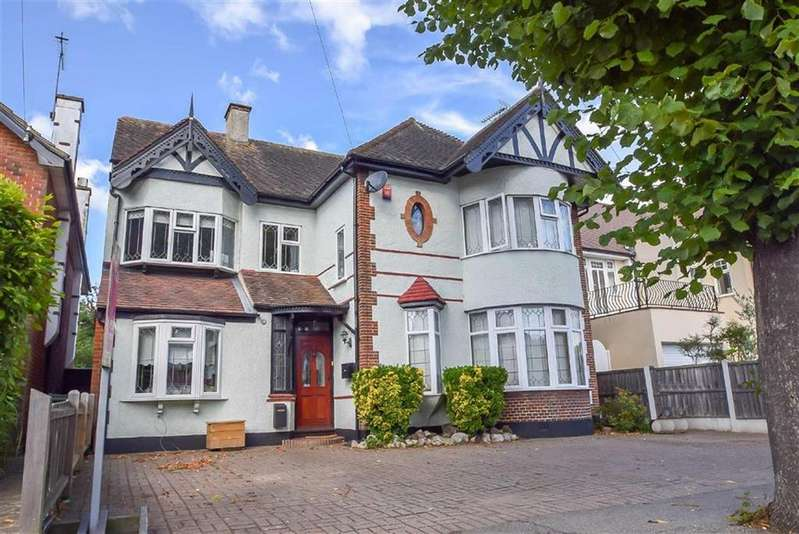 4 Bedrooms Detached House for sale in Salisbury Road, Leigh-on-sea, Essex