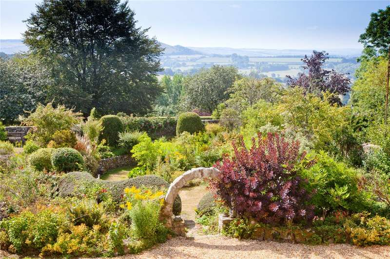 5 Bedrooms Detached House for sale in Abbey Walk, Shaftesbury, Dorset, SP7
