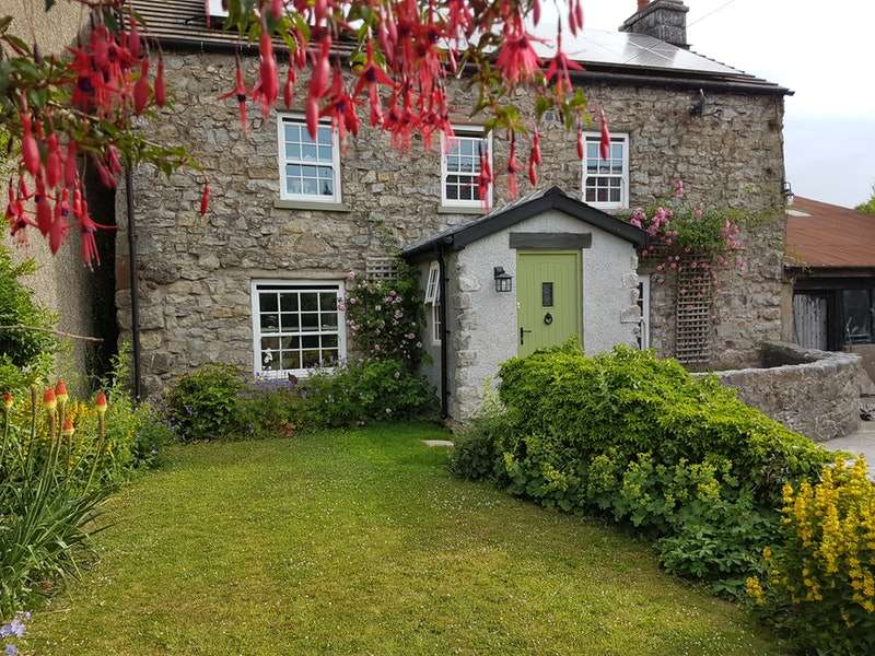 4 Bedrooms Detached House for sale in Gleaston, Ulverston, Cumbria, LA12