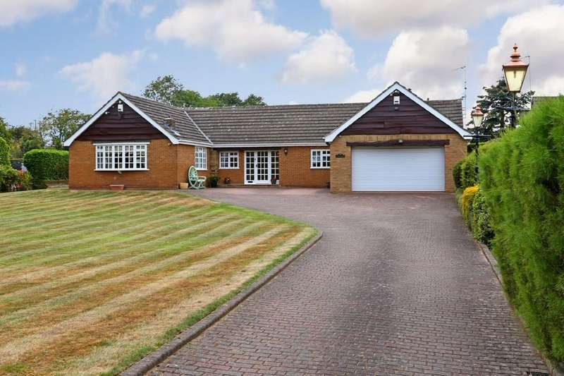 4 Bedrooms Detached Bungalow for sale in Newstead Lane, Nr. Nostell