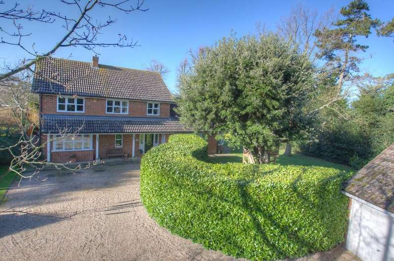 5 Bedrooms Detached House for sale in Redwood Drive, Writtle, Chelmsford, Essex, CM1