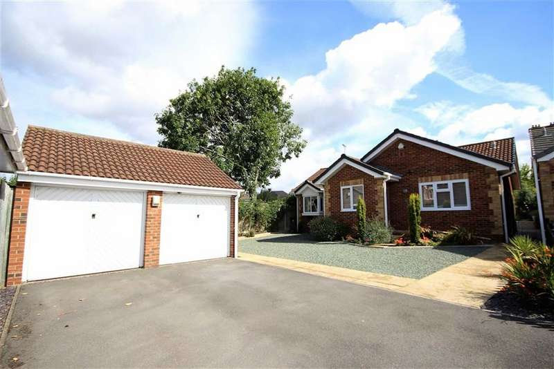 4 Bedrooms Detached Bungalow for sale in Silto Court, Rodbourne Green, Swindon, Swindon