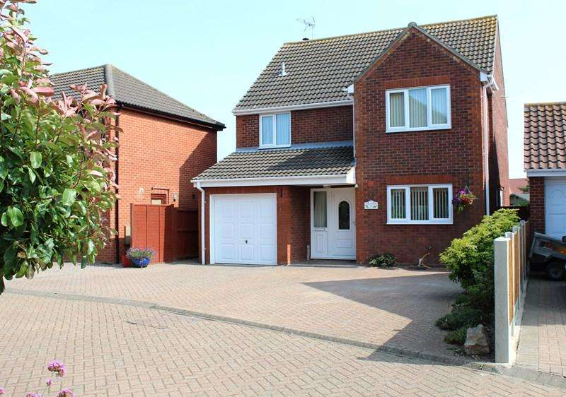 3 Bedrooms Detached House for sale in Granville Way, Brightlingsea, Colchester