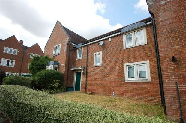 3 Bedrooms Terraced House for sale in Ulverston Close, St Albans, Hertfordshire