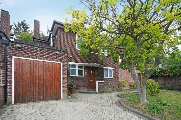 5 Bedrooms Detached House for sale in Ashbourne Road, London