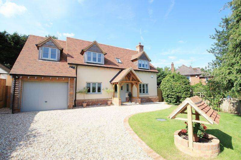 4 Bedrooms Detached House for sale in The Green, Southampton