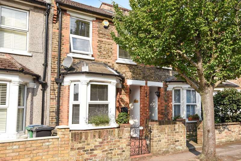 2 Bedrooms House for sale in Watford Fields, Hertfordshire, WD18