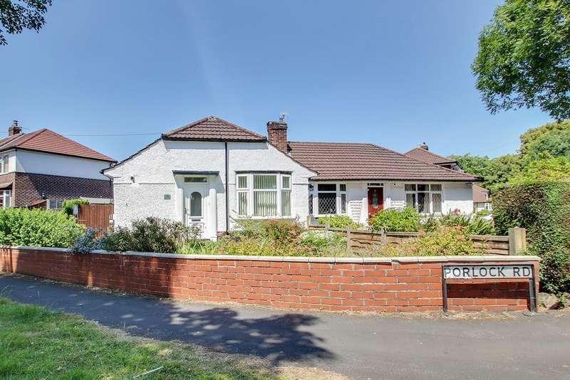 2 Bedrooms Semi Detached Bungalow for sale in Porlock Road, Flixton, Manchester, M41