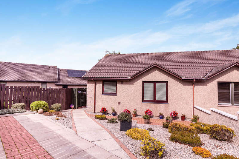 2 Bedrooms Semi Detached Bungalow for sale in Scotston Place, St. Cyrus, Montrose, DD10