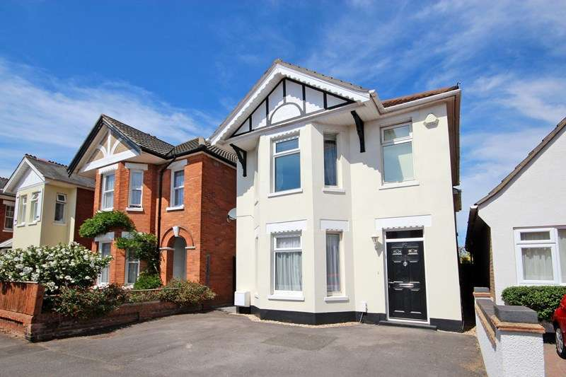 4 Bedrooms Detached House for sale in Beaufort Road, Southbourne, Bournemouth