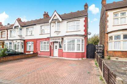 3 Bedrooms Semi Detached House for sale in Ilford, Essex, United Kingdom