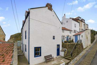 4 Bedrooms Terraced House for sale in Church Street, Staithes, Saltburn-By-The-Sea, North Yorkshire