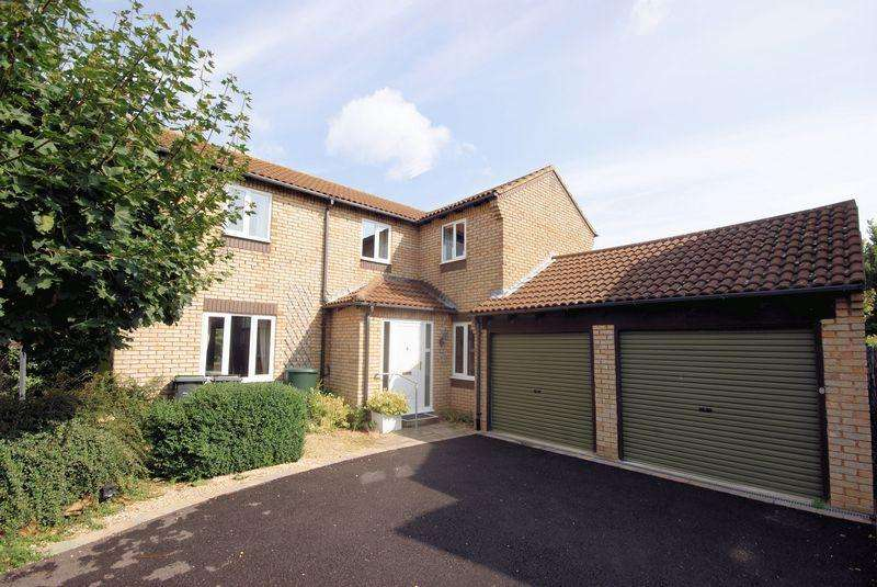 3 Bedrooms Detached House for sale in Blackbird Way, Lee on the Solent, PO13