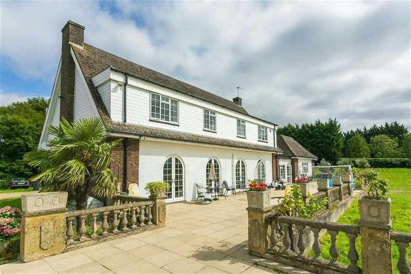 5 Bedrooms Detached House for sale in Woodside Lane, Woodside, Hertfordshire