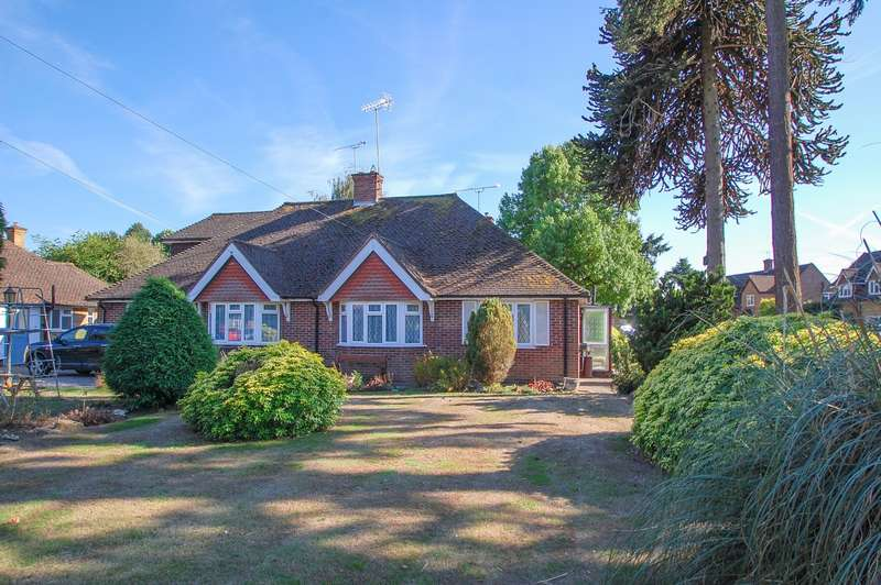 2 Bedrooms Bungalow for sale in Fircroft Close, Stoke Poges, SL2