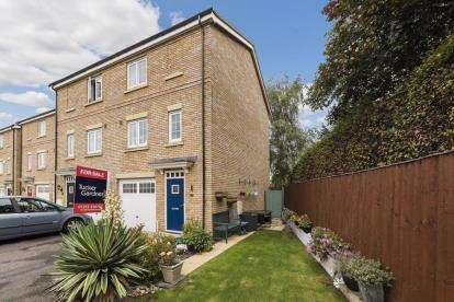 3 Bedrooms Town House for sale in Soham, Ely, Cambridgeshire