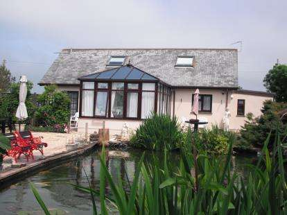 3 Bedrooms Bungalow for sale in The Lizard, Helston, Cornwall