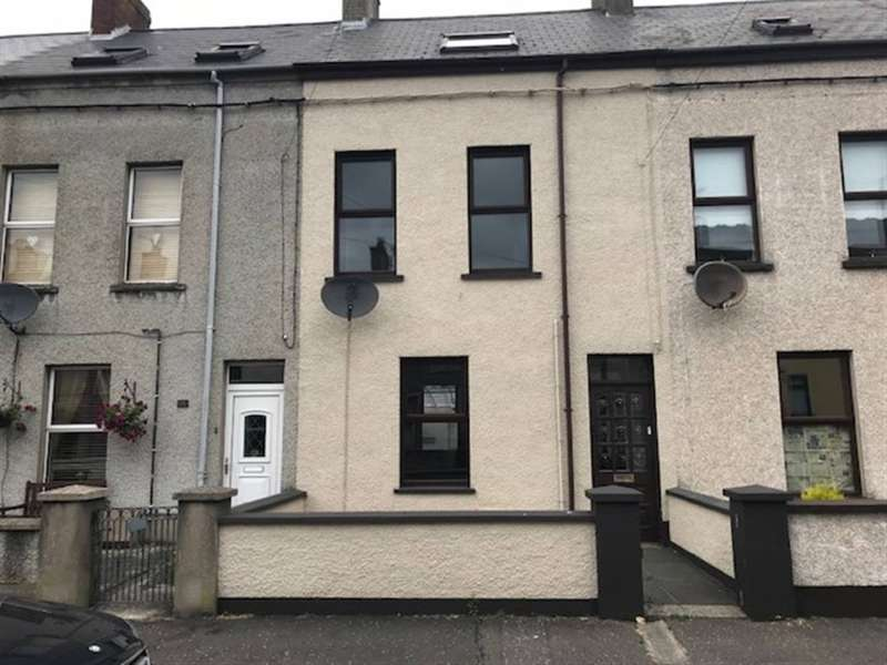 4 Bedrooms Terraced House for sale in 16 Bay Road, Larne, County Antrim
