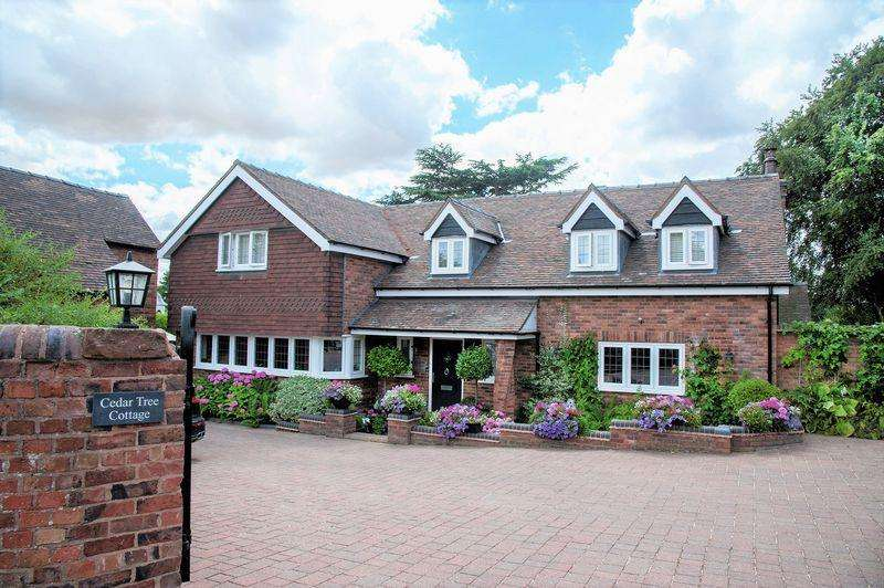 4 Bedrooms House for sale in School Lane, Tamworth
