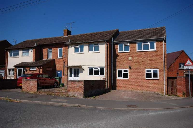 4 Bedrooms Semi Detached House for sale in Millend Lane, Eastington, Stonehouse