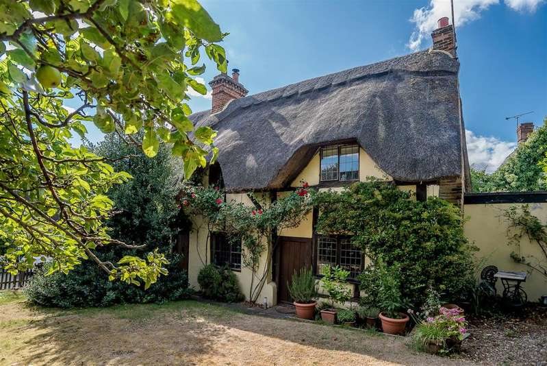 3 Bedrooms Cottage House for sale in Main Street, Maids Moreton, Buckinghamshire