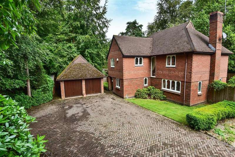5 Bedrooms Detached House for sale in Lower Wokingham Road, Crowthorne, Berkshire, RG45 6DB.