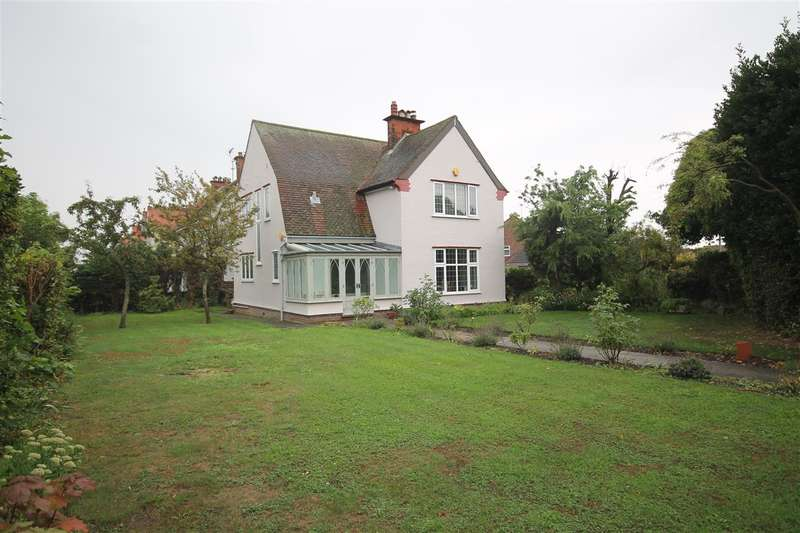 3 Bedrooms House for sale in Wash Lane, Clacton on Sea