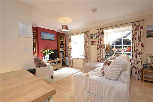 2 Bedrooms Flat for sale in St Clements Court, St. Paul Street, Bristol, BS2 9HB