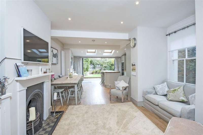 4 Bedrooms Maisonette Flat for sale in Barmouth Road, Wandsworth, London, SW18