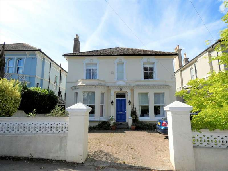 6 Bedrooms Detached House for sale in Laton Road, Hastings TN34
