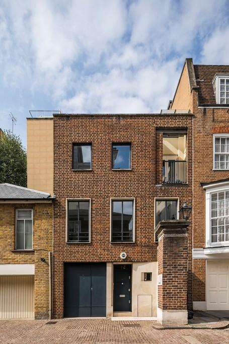 2 Bedrooms Town House for sale in Catherine Wheel Yard, St James's, London, SW1A