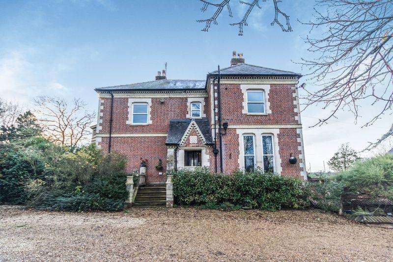 6 Bedrooms Detached House for sale in Pointon