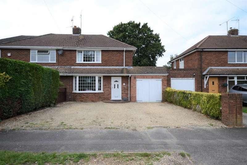 3 Bedrooms Semi Detached House for sale in Warborough Avenue, Tilehurst