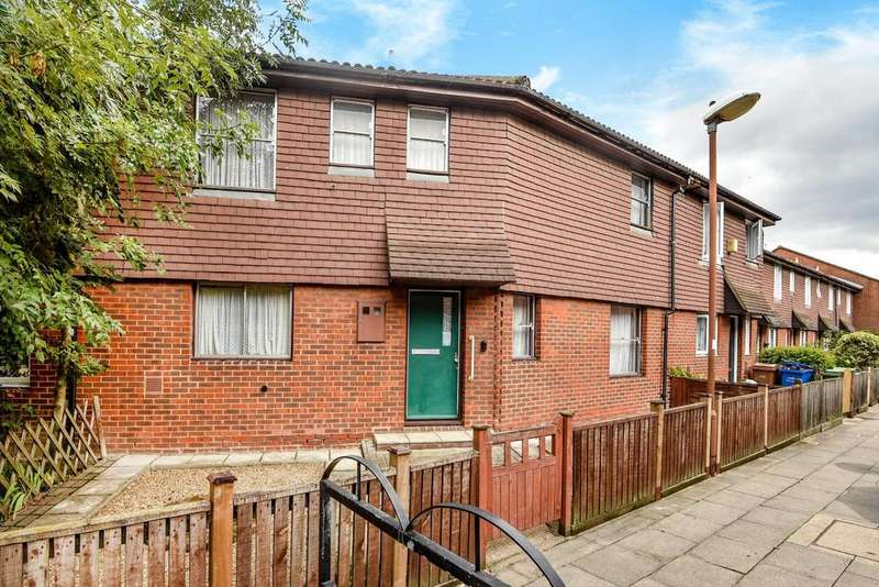 2 Bedrooms Terraced House for sale in Pedworth Gardens, Bermondsey