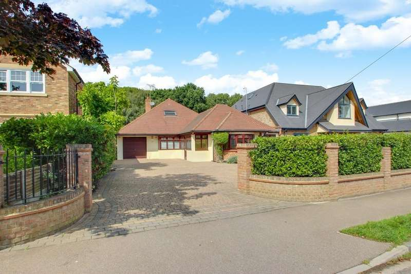 3 Bedrooms Detached Bungalow for sale in Thundersley, SS7