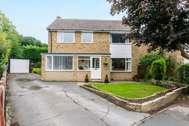 4 Bedrooms Detached House for sale in Stirling Crescent, Horsforth