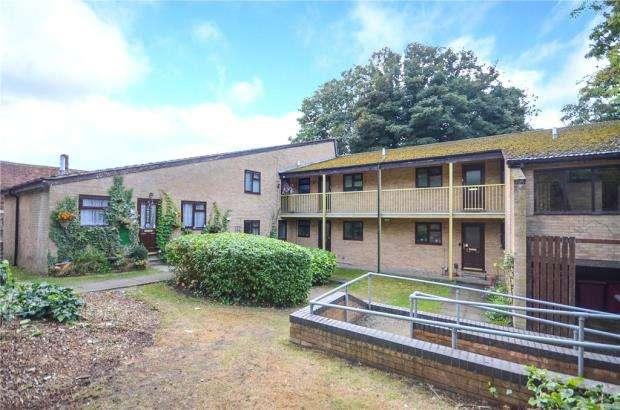 2 Bedrooms Maisonette Flat for sale in The Slopes, Lower Henley Road, Caversham