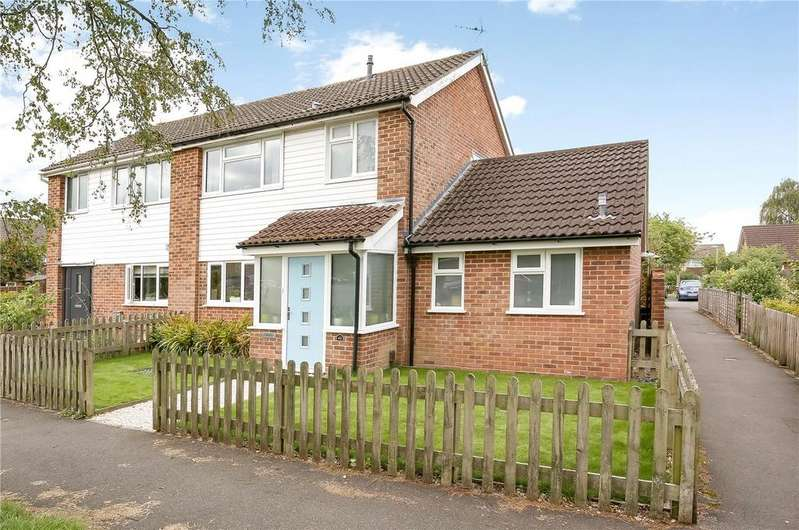 4 Bedrooms Semi Detached House for sale in Stapleford Close, Romsey, Hampshire, SO51