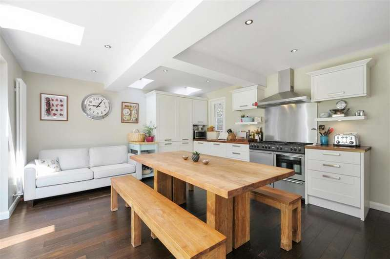 2 Bedrooms Flat for sale in Dorville Crescent, W6
