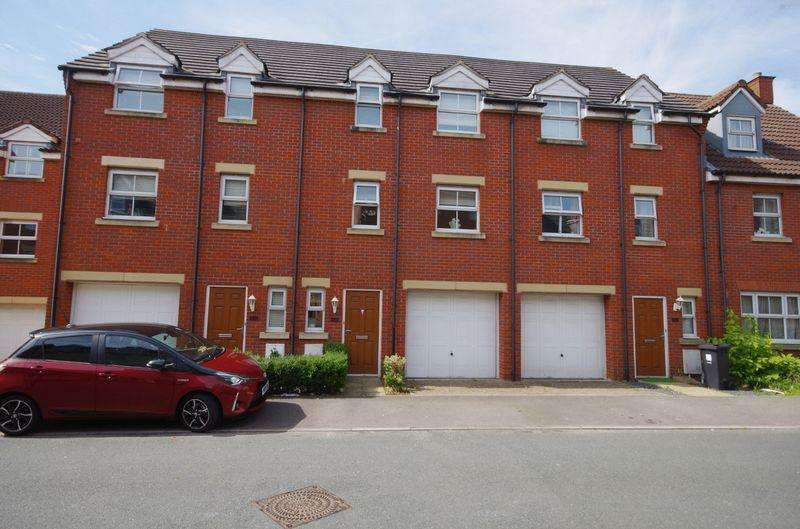 3 Bedrooms Terraced House for sale in New Charlton Way, Bristol