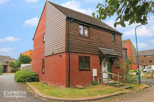 3 Bedrooms Semi Detached House for sale in Ulverston Crescent, Broughton, Milton Keynes, Buckinghamshire