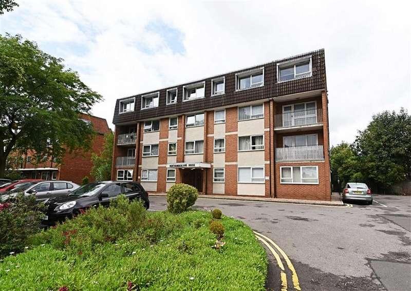 3 Bedrooms Flat for sale in Ballards Lane, Finchley, London, N3