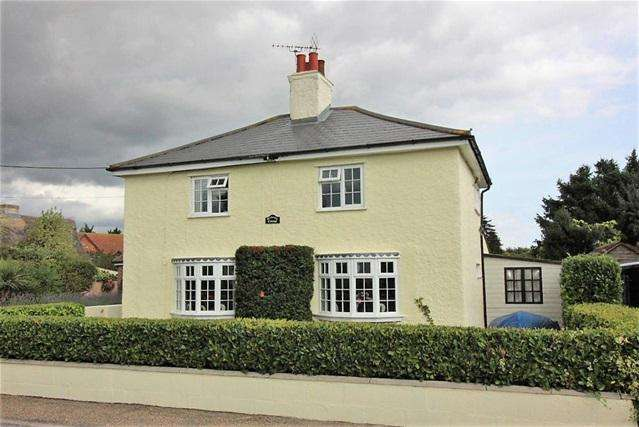 4 Bedrooms Detached House for sale in The Green, Tendring , Clacton on Sea