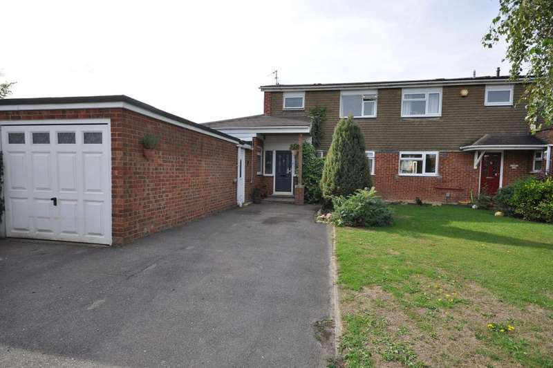 3 Bedrooms Semi Detached House for sale in Redwood Avenue, Woodley, Reading, RG5 4DS