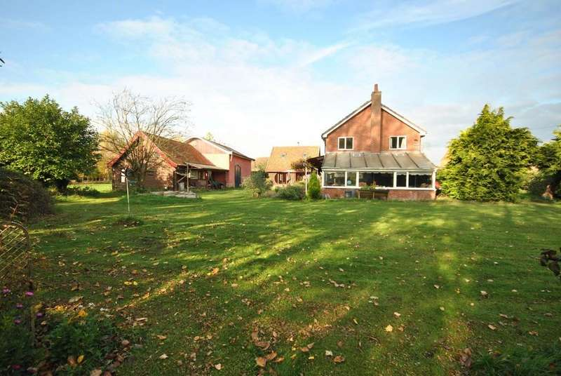 6 Bedrooms Detached House for sale in The Street, Bridgham, Norfolk