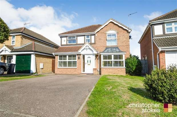 4 Bedrooms Detached House for sale in Moxom Avenue, Cheshunt, Cheshunt, Hertfordshire
