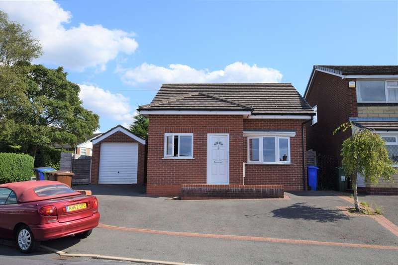 3 Bedrooms Detached Bungalow for sale in Fir Tree Crescent, Dukinfield